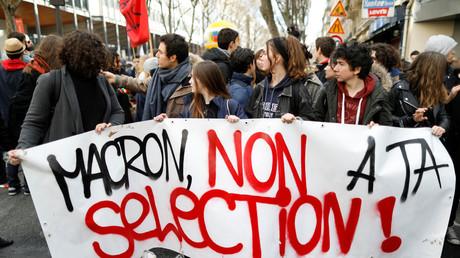 Manifestants contre les réformes sur l'orientation le 1er février 2018 à Paris.