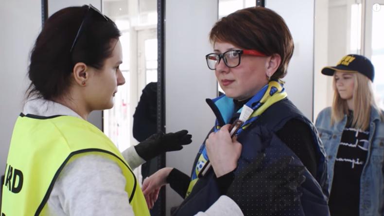 Pour une Coupe du monde sans fausse note, la Russie a mobilisé 17 000 volontaires (VIDEO)