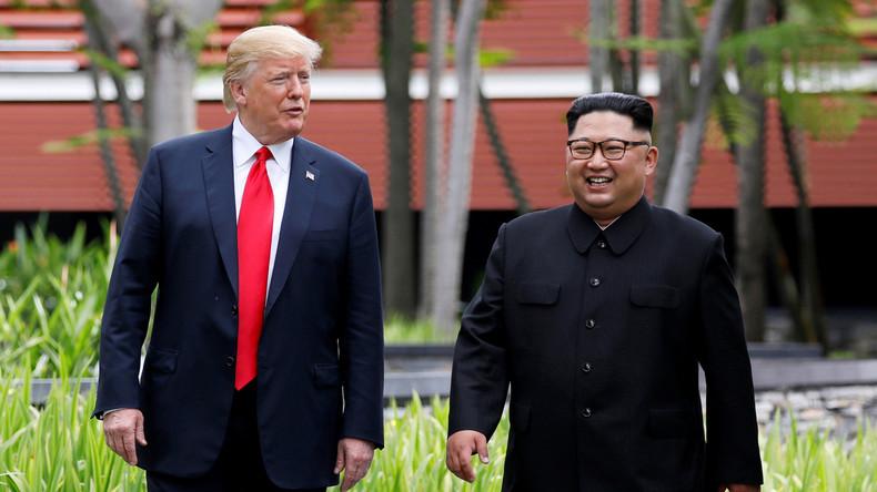 """Résultat de recherche d'images pour """"trump kim jong un signature traité"""""""