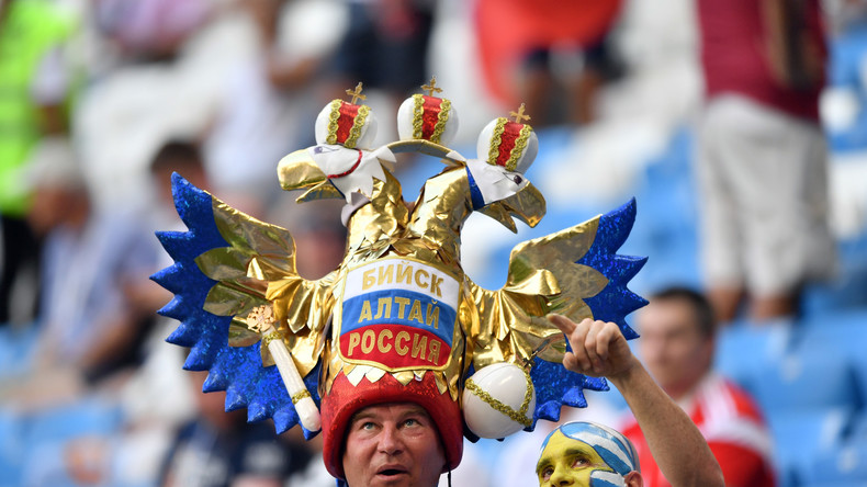 Chants, parodies, costumes… qui sont les meilleurs supporters du Mondial de football ? (IMAGES)
