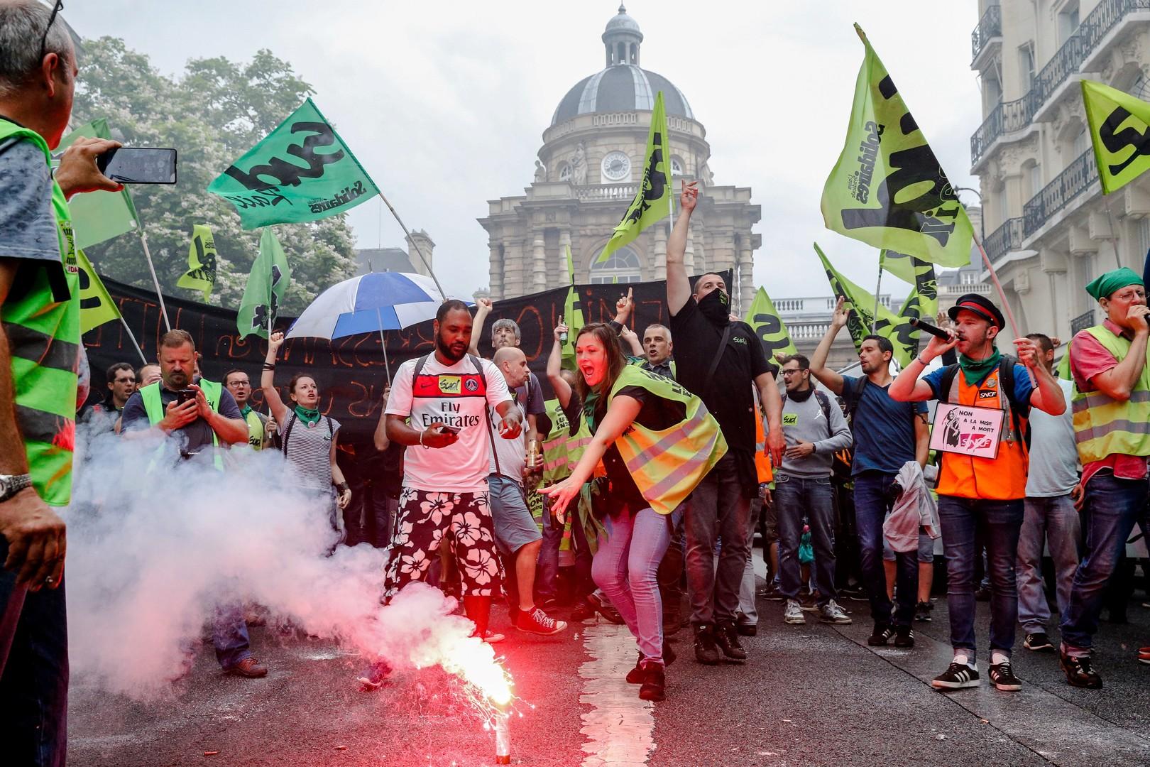 Cheminots contre Macron : la grève contre la réforme de la SNCF est la plus longue depuis 30 ans