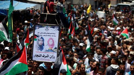 Images des funérailles de Razan al-Najjar, infirmière palestinienne de 21 ans tuées par un soldat israélien le 1er juin