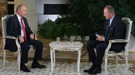 «Laissez-moi parler !» : interrompu, Poutine répond en allemand à un journaliste autrichien (VIDEO)