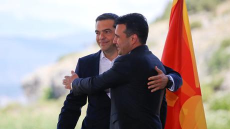Le Premier ministre grec Alexis Tsipras et le Premier ministre macédonien Zoran Zaev