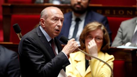 Gérard Collomb assigné en justice après le placement en détention d'un Irakien pour crime de guerre