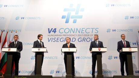 De gauche à droite : Andrej Babis, Sebastian Kurz, Viktor Orban, Peter Pellegrini et Mateusz Morawiecki, le 21 juin 2018 à Budapest.