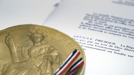 La Constitution française instaurant la Cinquième République a été adoptée en 1958