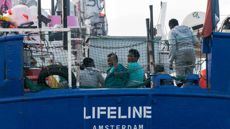 Le Lifeline n'a pas été autorisé a accoster en Italie