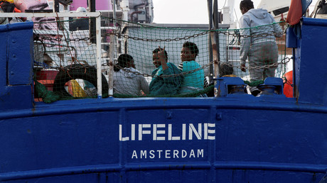 Migrants : le navire Lifeline qui souhaite l'aide de la France sera-t-il le nouvel Aquarius ?