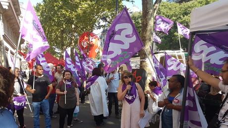 Manifestation intersyndicale sous les fenêtres de la direction de l'AP-HP à Paris le 28 juin 2018,