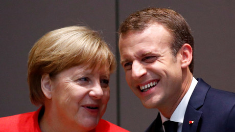 La chancelière allemande et le président français prennent la pose à l'occasion du sommet européen le 29 juin à Bruxelles
