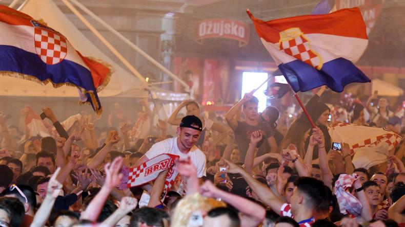 Zagreb en liesse après la qualification de la Croatie (IMAGES)