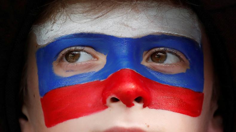 Si la Russie se qualifie ? Les promesses insolites des Russes… et de notre journaliste ! (VIDEO)