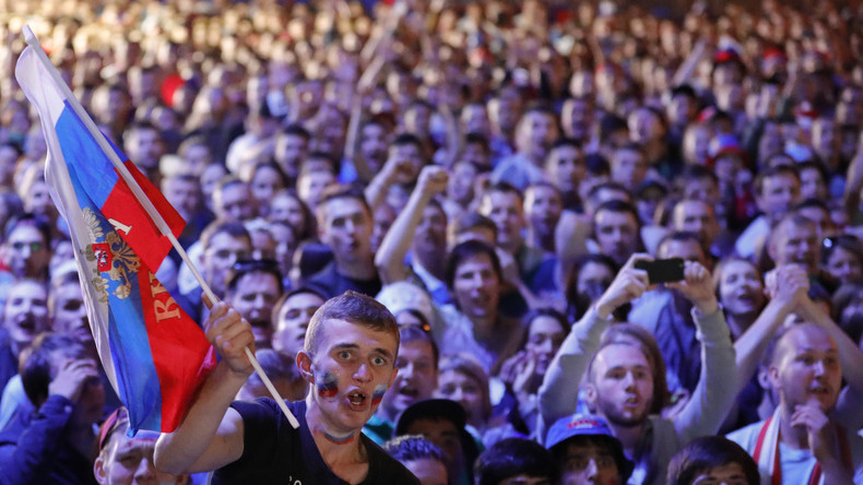 Fin du Mondial pour la Sbornaïa: après un impressionnant parcours, les Russes félicitent leur équipe
