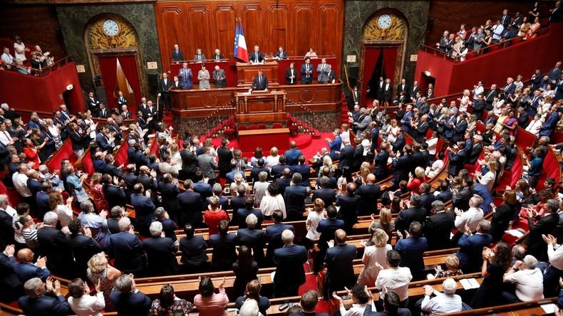 Macronau Congrès de Versailles: l'ère du vide En Marche
