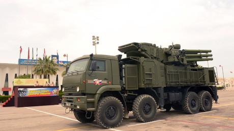 Système de défense aérienne Pantsir-S1 à la base aérienne de Hmeimim.