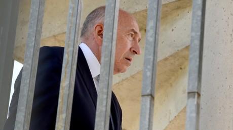 Le ministre de l'Intérieur Gérard Collomb visite le centre national de formation de la gendarmerie nationale (CNEFG), le 8 juin 2018, à Saint-Astier, dans le sud-ouest de la France (Image d'illustration)