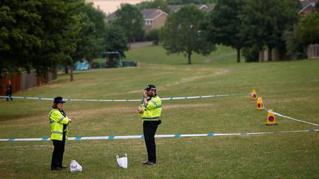 Policiers près d'Amesbury