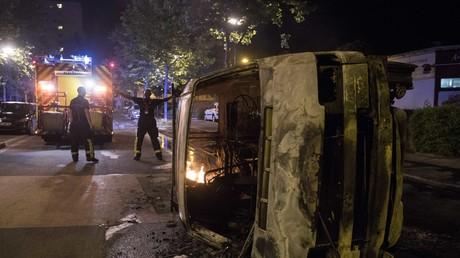 Troisième nuit d'émeutes à Nantes : «Une bonne cinquantaine de véhicules ont été incendiés» (IMAGES)