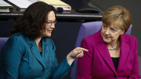 La dirigeante du SPD Andrea Nahles et la chancelière allemande Angela Merkel ont trouvé un accord sur l'immigration