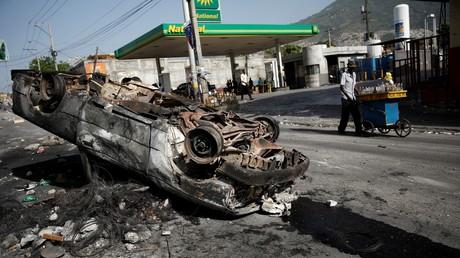Haïti: tensions et pillages après l'annonce d'une hausse des prix du carburant (VIDEOS)