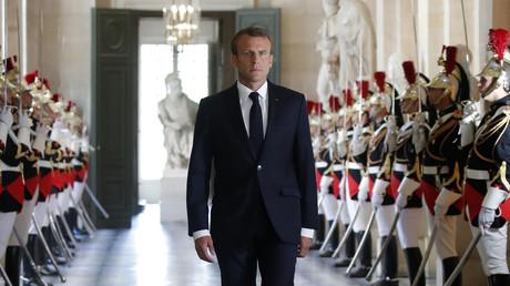 #MacronMonarc : les internautes répondent à l'appel de «manif en ligne» de La France insoumise