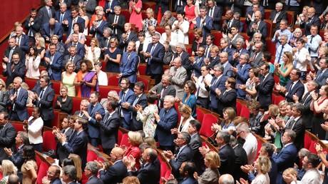Le président français est applaudi après son discours devant le Parlement réuni en Congrès à Versailles, le 9 juillet 2018.