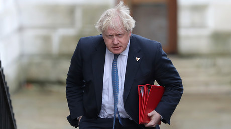 Le désormais ancien chef de la diplomatie britannique Boris Johnson arrive au 10 Downing Street in London, le 7 mars 2018