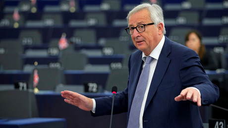Quel mal étrange fait tituber Jean-Claude Juncker, président de la Commission européenne ? (VIDEO)