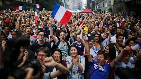 EN CONTINU : Scènes de liesse émaillées de violences après la victoire des Bleus