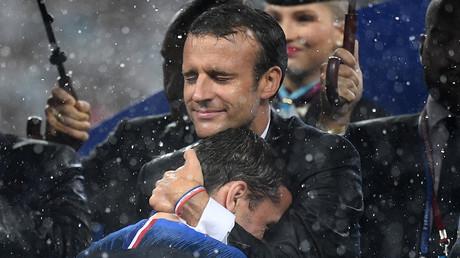 Victoire des Bleus : Macron a réussi sans trop de récupération politique selon Barbier... Vraiment ?