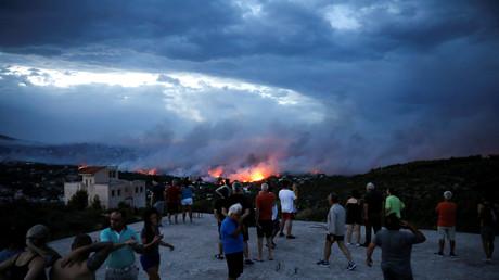 Des incendies meurtriers font au moins 50 morts en Grèce (VIDEO)
