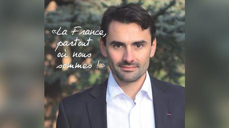 Ludovic Chaker sur son affiche de campagne aux législatives.