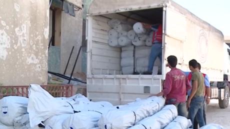 La Ghouta orientale reçoit une aide humanitaire conjointe de la France et de la Russie (VIDEO)