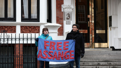 Julian Assange, un lanceur d'alerte privé de liberté depuis plus de six ans