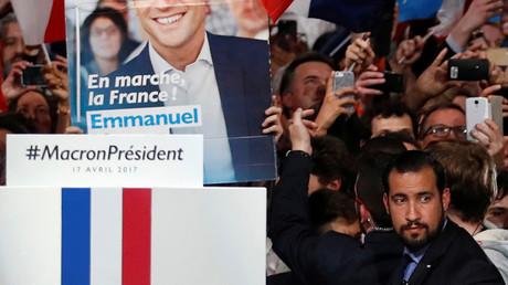 Alexandre Benalla en avril, alors chargé de la sécurité du candidat Emmanuel Macron, photo ©Christian Hartmann/Reuters