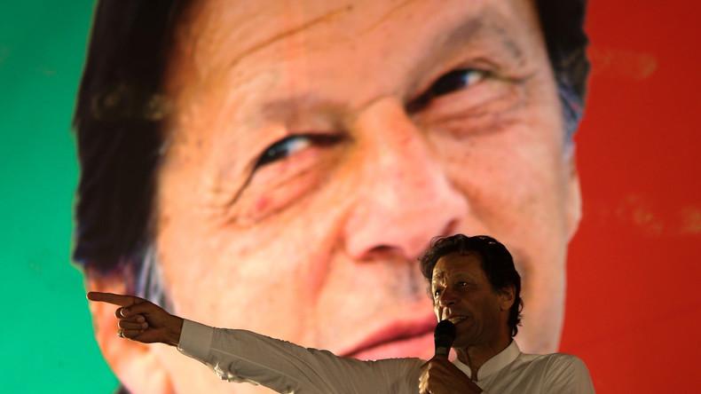 Pakistan : qui est Imran Khan, le nouveau Premier ministre, ancien champion de cricket?