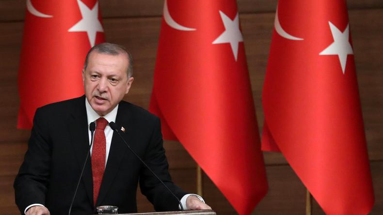 «Ils ont des dollars, nous avons Allah !» : la livre turque en chute libre, Erdogan maintient le cap