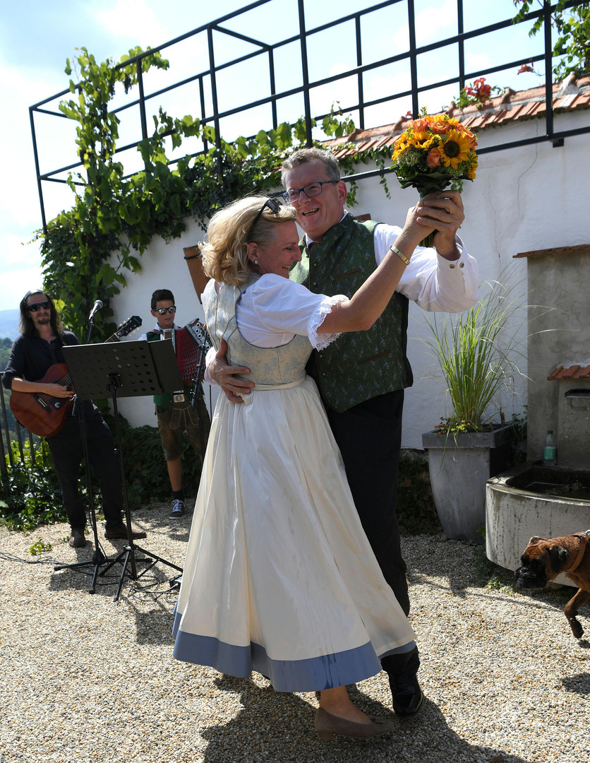 Poutine assiste au mariage de la ministre autrichienne des Affaires étrangères (PHOTOS)