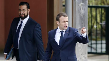 Alexandre Benalla et Emmanuel Macron à Berd'huis, 12 avril 2018, illustration