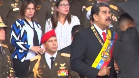 Le président vénézuélien Nicolas Maduro, interrompu dans son discours par une forte détonation, le 4 août à Caracas.