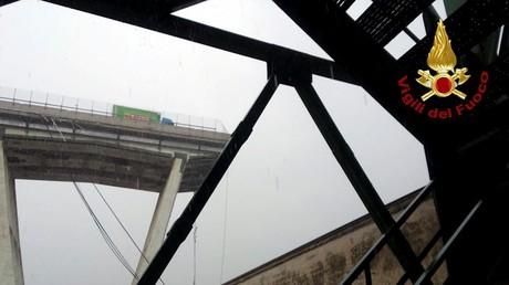 L'effroyable effondrement d'un pont autoroutier à Gênes cause la mort de dizaines de personnes