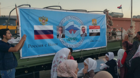 Des centaines de réfugiés regagnent la Syrie via le poste-frontière de Jdeidet Yabous (VIDEO)