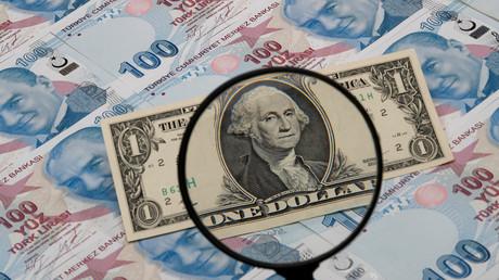 Voitures, alcool, tabac... La Turquie fait flamber les taxes sur ses importations américaines