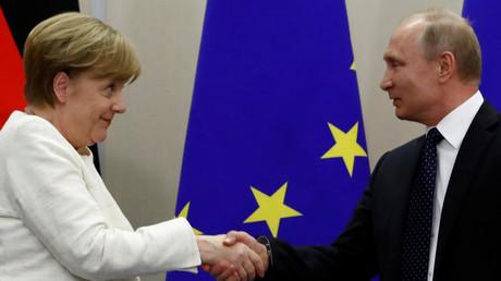 A la veille de sa rencontre avec Poutine, Merkel dit souhaiter de «bonnes relations avec la Russie»