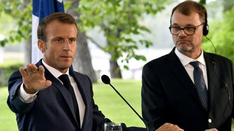 Emmanuel Macron appelle à revoir totalement la relation entre la Russie et l'UE