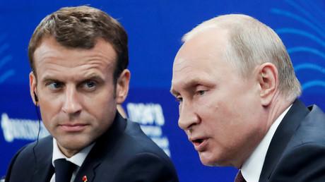 Emmanuel Macron et Vladimir Poutine à Saint-Pétersbourg le 25 mai 2018, illustration