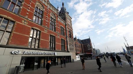 La garde centrale d'Amsterdam.