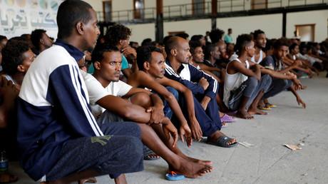 Libye : des centaines de migrants auraient fui les combats... et leur centre de rétention (VIDEO)