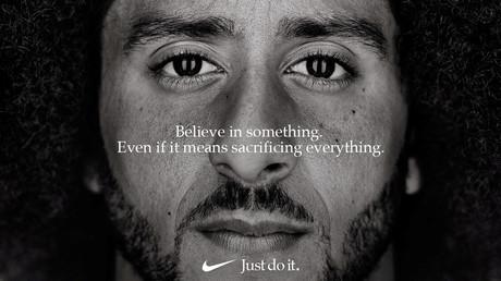 Nike choisit une égérie qui a boycotté l'hymne américain, les conservateurs brûlent leurs baskets